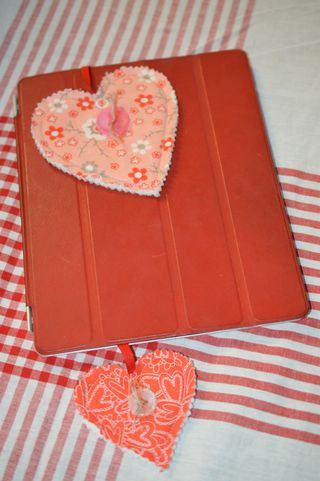 Heart Bookmark w/iPad